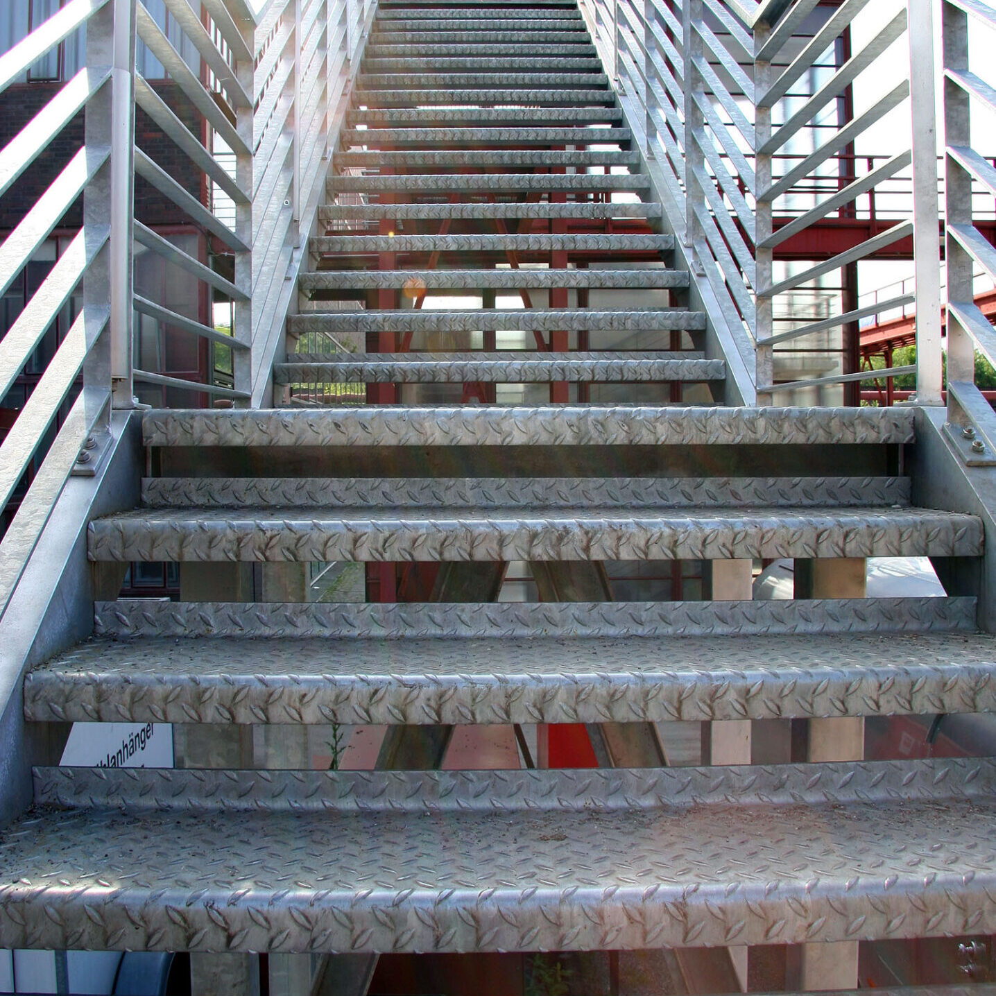Railing and Specialty Aluminum Structure Engineering